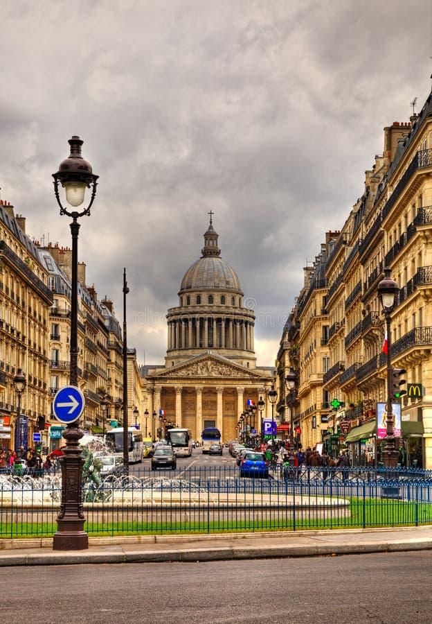 Rue Sufflot i Paris royaltyfri bild