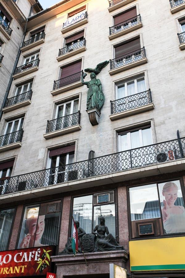 Rue typique à Budapest photos stock