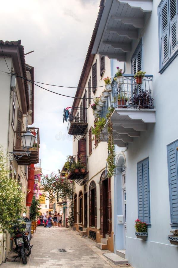 Rue typique dans Nafplio, Grèce image libre de droits