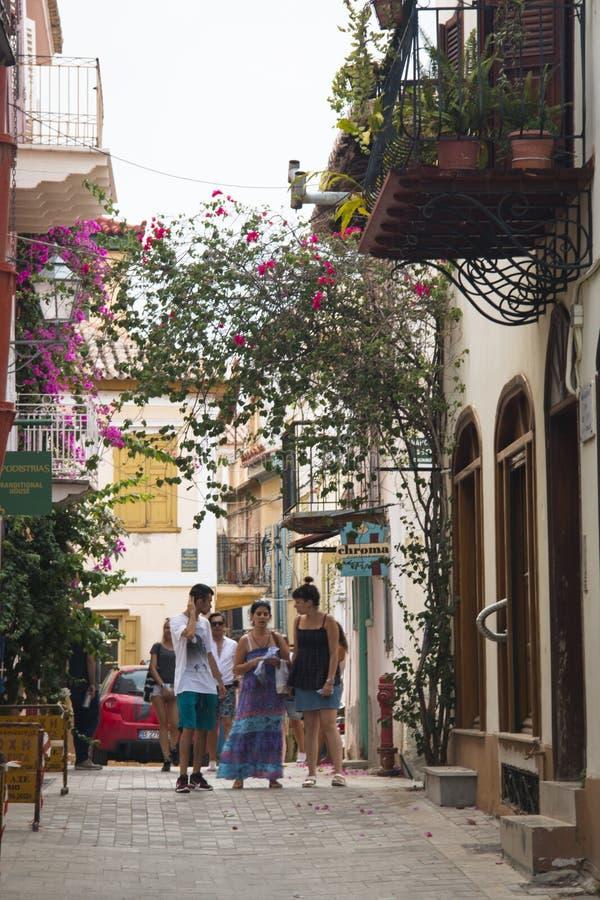 Rue typique dans Nafplio, Grèce photographie stock