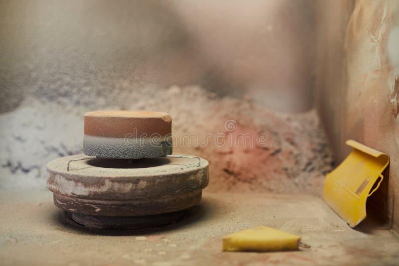 Rueda de la cerámica con el soporte fotografía de archivo libre de regalías