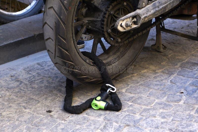 Rueda de la motocicleta cerrada fotos de archivo