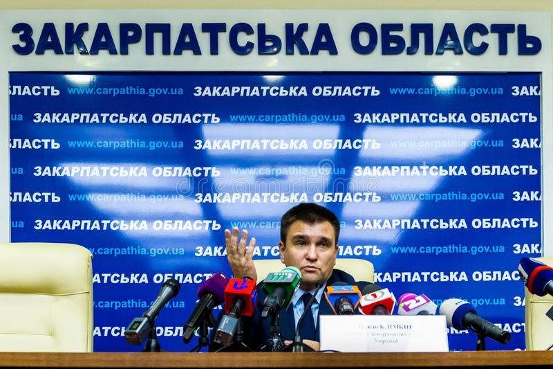Rueda de prensa del Ministro de Asuntos Exteriores ucraniano Pavel Klimkin adentro foto de archivo libre de regalías
