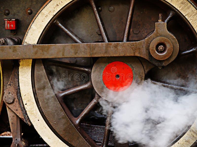 Rueda de un motor de vapor viejo fotos de archivo libres de regalías