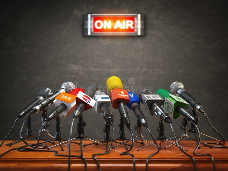 Rueda o entrevista de prensa en el aire Micrófonos de diferente stock de ilustración