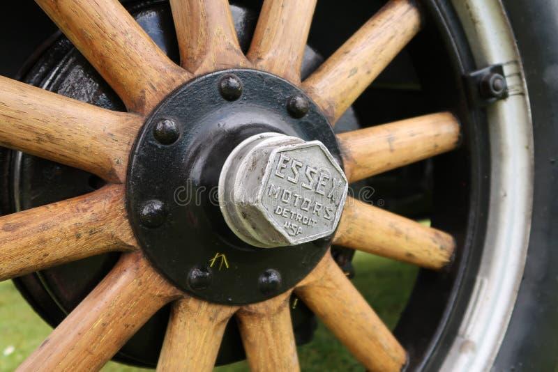 Ruedas de madera del sedán de Essex imagenes de archivo