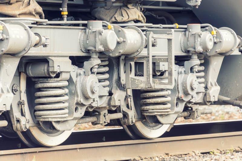 Ruedas del tren en los carriles imagen de archivo libre de regalías