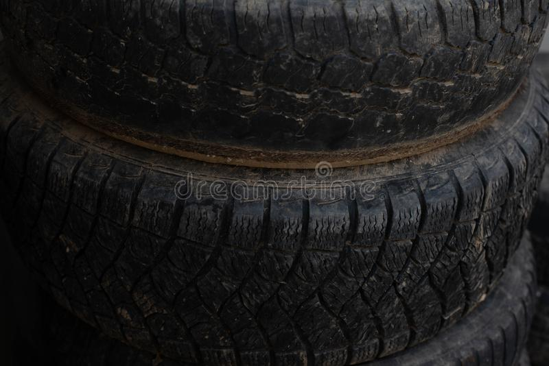 Ruedas más viejas Ruedas de su coche imagen de archivo libre de regalías