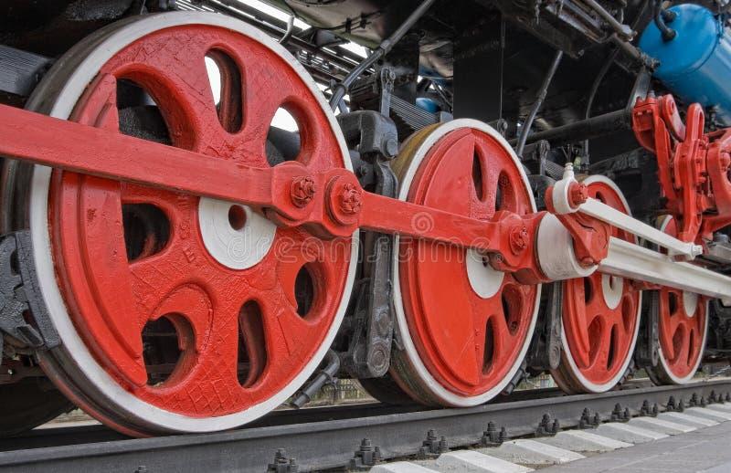Ruedas viejas de la locomotora de vapor imagenes de archivo