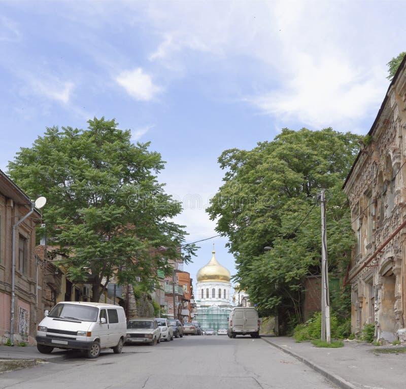 Ruelle de cathédrale dans la ville de Rostov-On-Don image stock