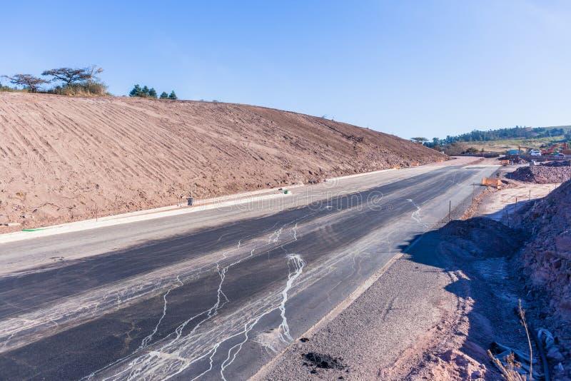 Ruelles d'expansion de terrassements de route de route nouvelles photo libre de droits