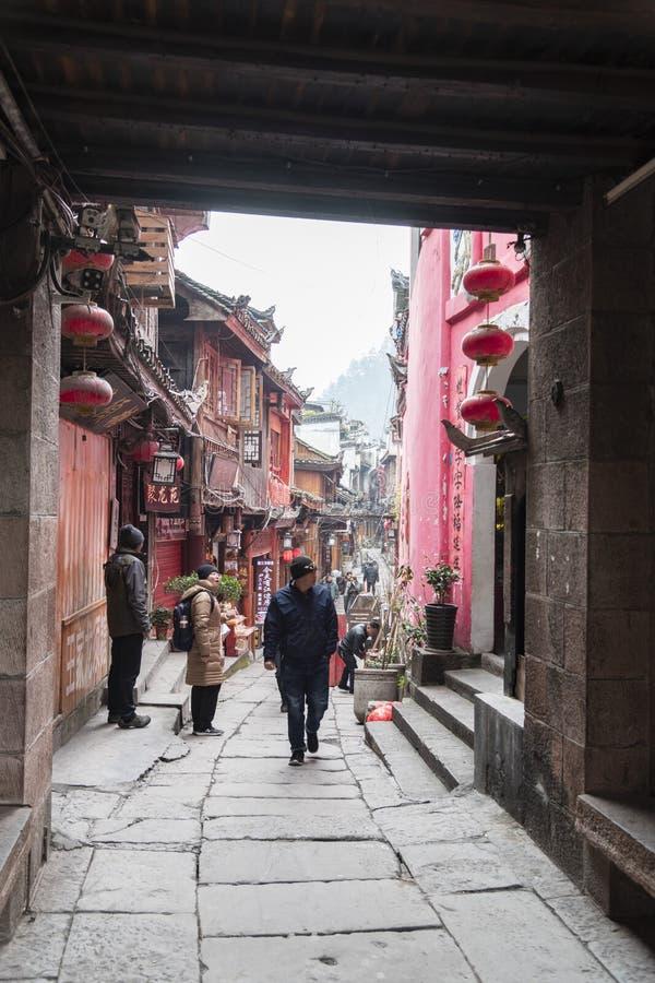 Rues étroites de la vieille ville du fenghuang images stock