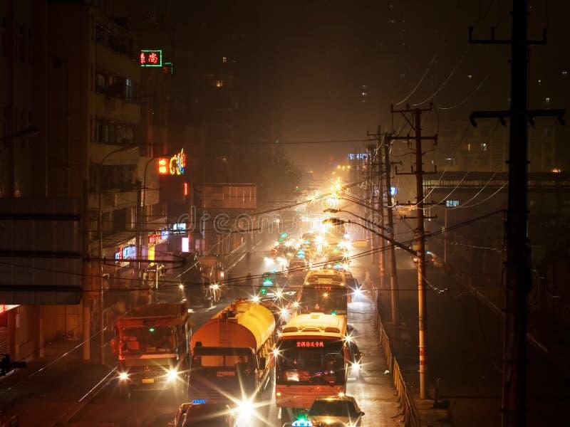 Rues 3 de Changhaï de nuit photographie stock