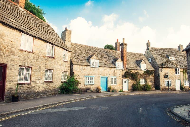 Rues avec du charme de vieux cottage en pierre traditionnel anglais Foyer sélectif, l'espace de copie photos libres de droits