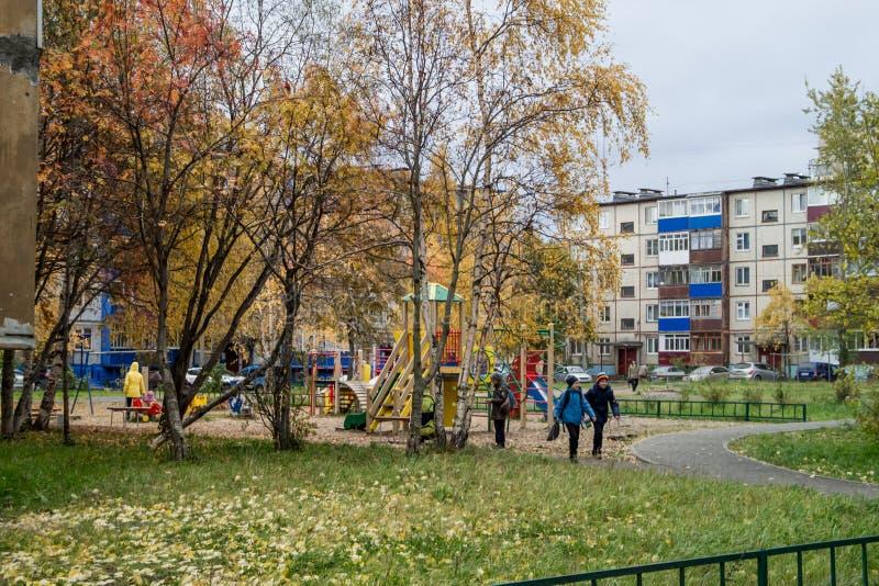 Rues d'automne de la ville La Russie, la ville du nord, Arkhangelsk, photo libre de droits