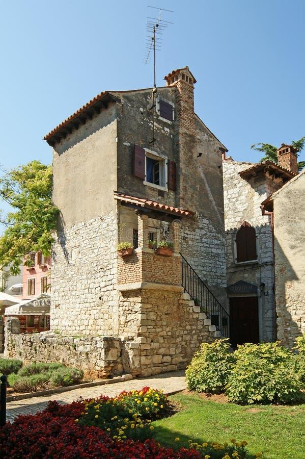 Rues de la vieille ville de Porec, Istria, Croatie photographie stock