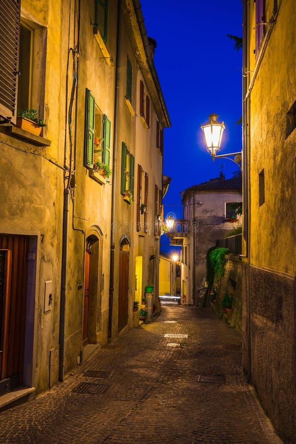 Rues de soirée du Saint-Marin image stock