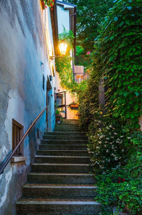 Rues de soirée du Saint-Marin photo libre de droits