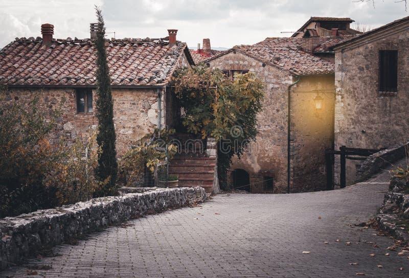 Rues de vieille ville européenne image stock