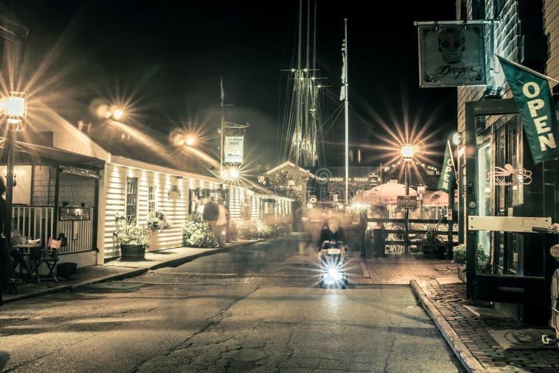 Rues de ville de Newport Rhode Island le soir photo stock