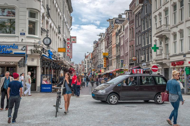 Rues et canaux d'Amsterdam image stock