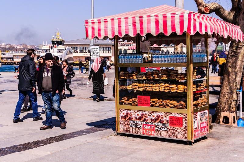 Rues et habitants de ville d'Istanbul - Turquie photos libres de droits
