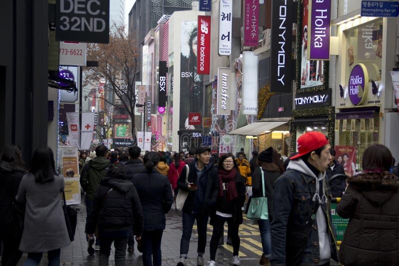 Rues passantes de Myeongdong Séoul Corée photos libres de droits