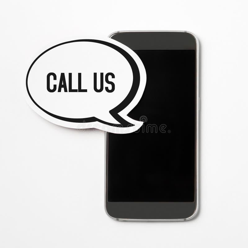 Rufen Sie uns Spracheblase auf Smartphonefahne an stockbilder