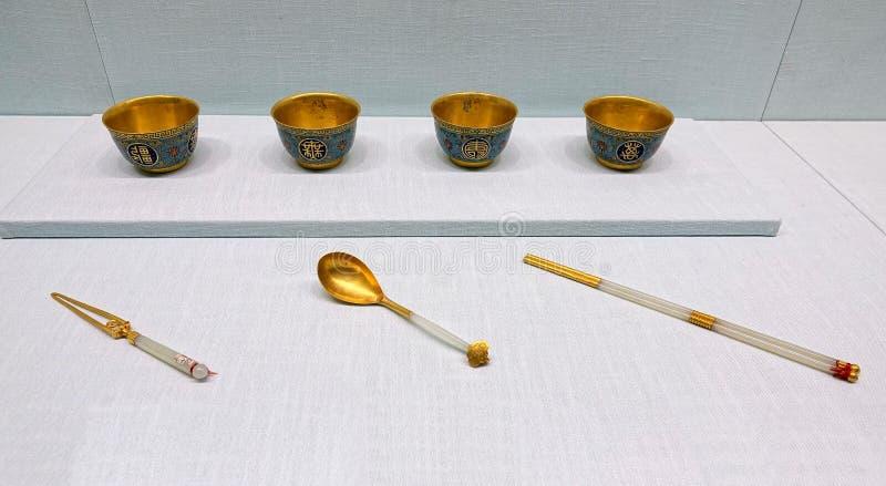 Ruggegraten oude gouden-jade dishware royalty-vrije stock foto