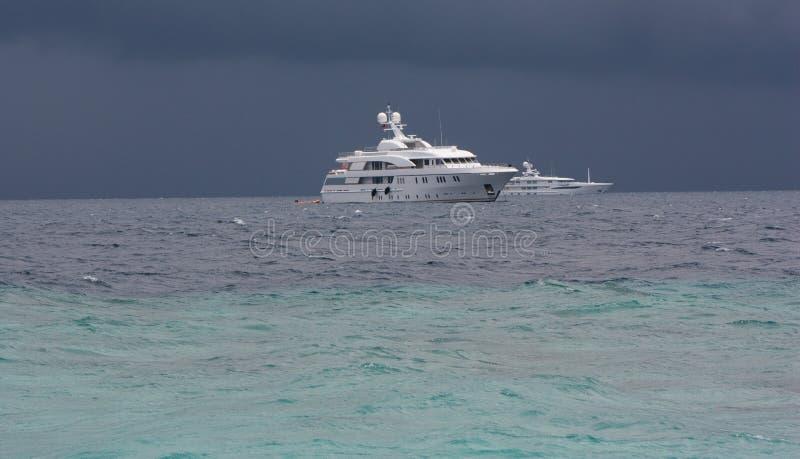 Download Ruhe vor Sturm stockbild. Bild von marine, dunkel, lebensstil - 9085813