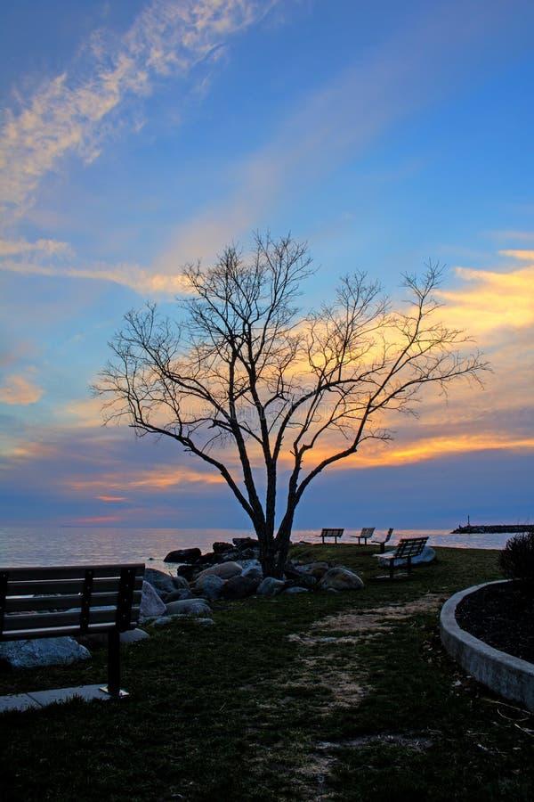 Ruhige früher Morgen-Ufergegend-Szene bei Meaford, Ontario lizenzfreies stockbild