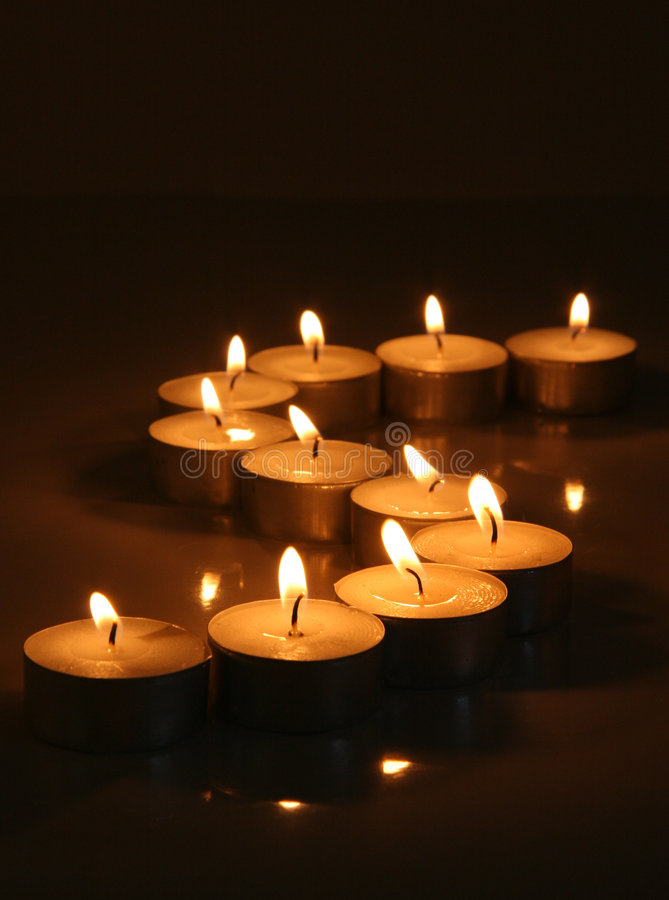 Ruhige Tee-Leuchte-Kerzen stockbilder