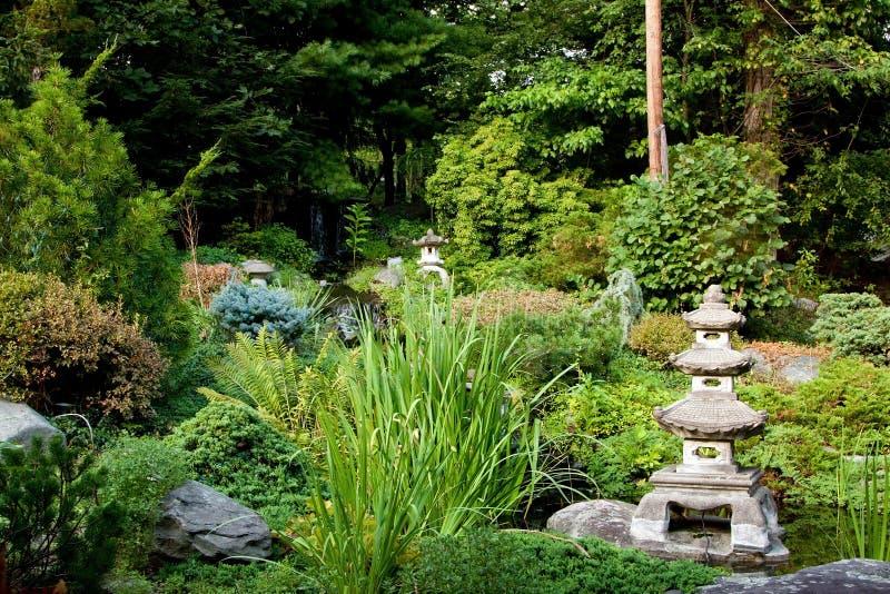 Ruhiger japanischer Garten lizenzfreies stockbild