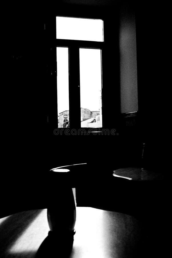 Ruhiger Nachmittag in einem Café lizenzfreie stockfotografie