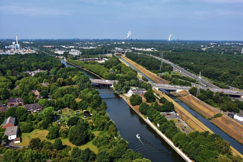 Ruhr Valley, área arborizada pela Alemanha no distrito do carvão
