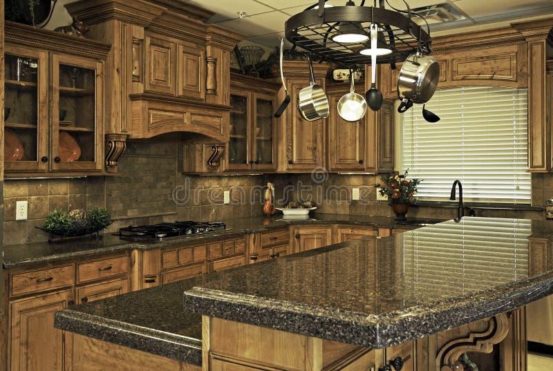 Ruime moderne keuken royalty-vrije stock foto's