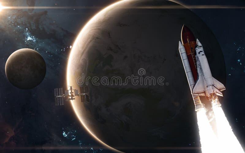 Ruimteveer, ISS, Aarde en Maan nadruk op: Het Knippen van MercuryWith van het Venus van de aarde Weg Science fiction stock afbeeldingen