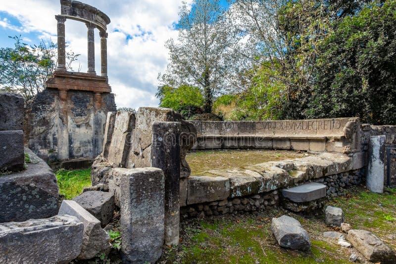 Ruina arqueológica de la ciudad romana antigua, Pompeya, región del Campania, Italia foto de archivo