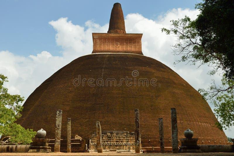 Ruina de Anuradhapura, dagoba de Adhayagiri, Sri Lanka fotografía de archivo