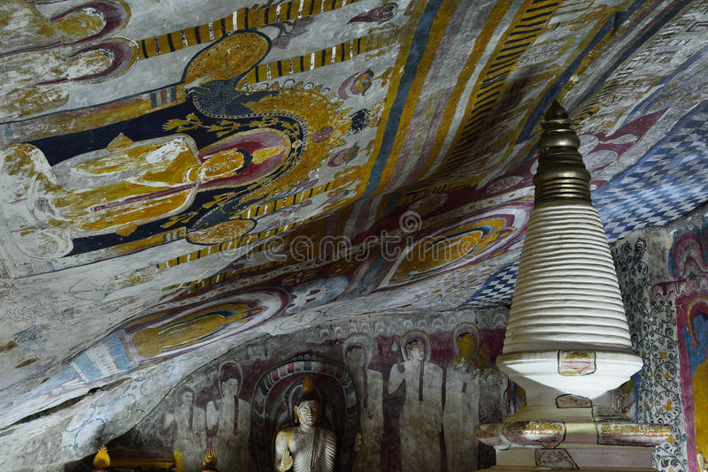 Ruina de Anuradhapura, dagoba de Adhayagiri, Sri Lanka fotografía de archivo libre de regalías