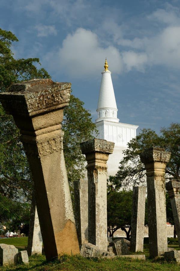 Ruina de Anuradhapura, Ruvanmali Maha Stupa, Sri Lanka fotos de archivo
