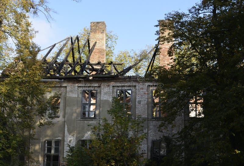 Ruina de una casa señorial imágenes de archivo libres de regalías