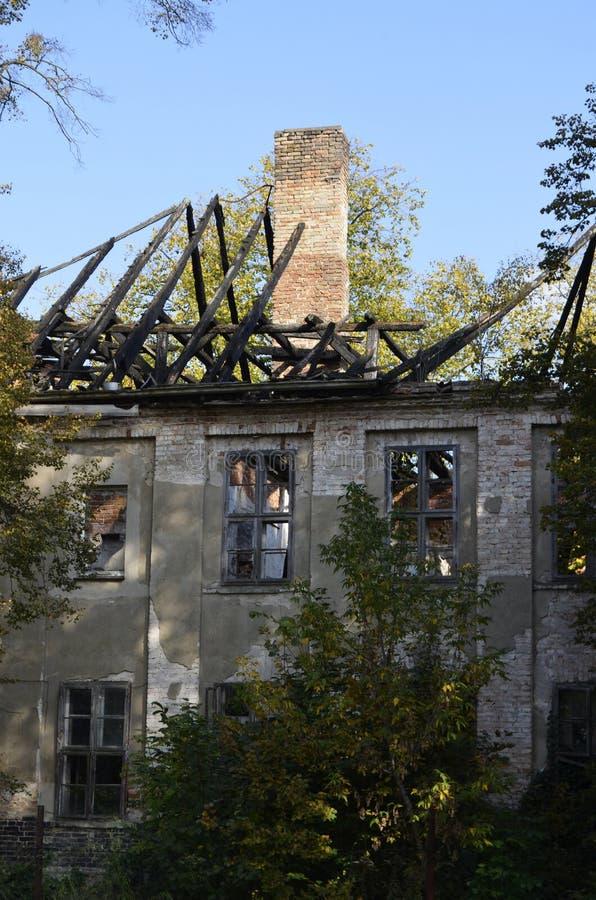 Ruina de una casa señorial fotos de archivo libres de regalías