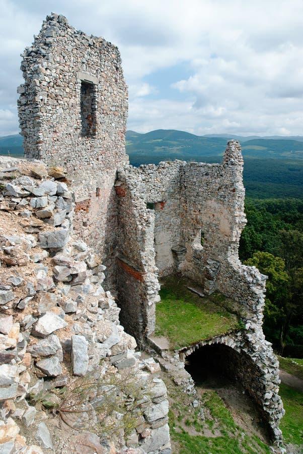 Ruina del castillo agradable Hrusov imagen de archivo