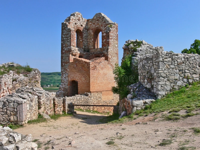 Ruina del castillo de Csesznak imagen de archivo