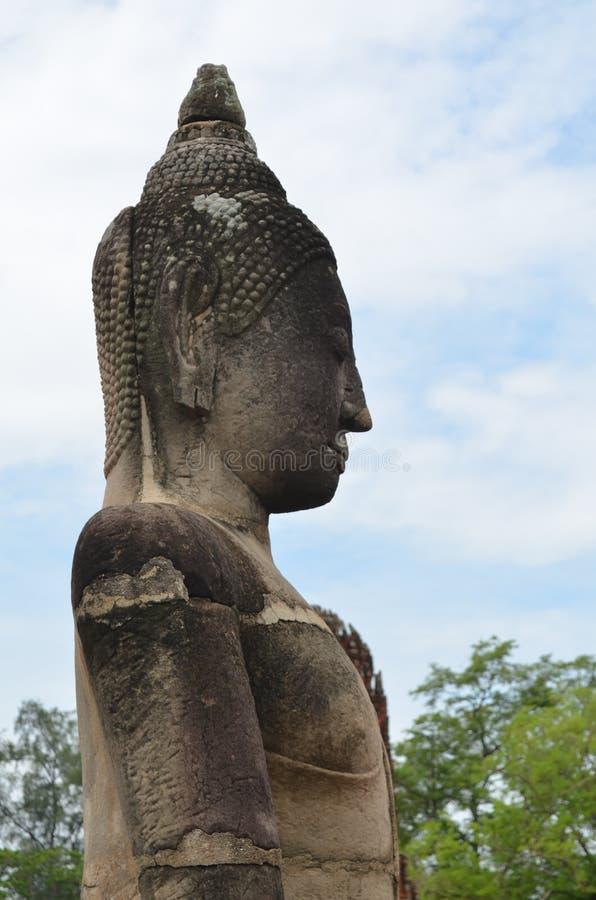 Ruina del templo antiguo de Buda en Tailandia fotografía de archivo