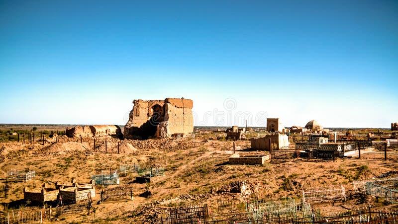 Ruina Erejep Khalifa meczetu aka zegar świat, Mizdakhan, Khodjeyli, Karakalpakstan, Uzbekistan fotografia stock