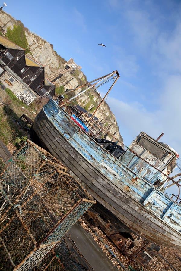 Ruina Hastings del barco rastreador de la pesca fotografía de archivo libre de regalías