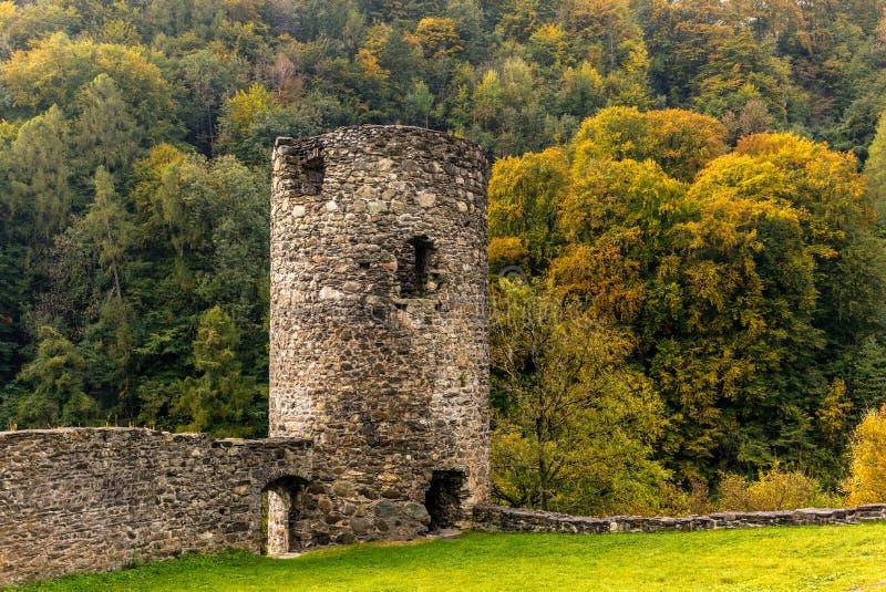 Ruina kasztel w Szwajcaria - 1 zdjęcia royalty free