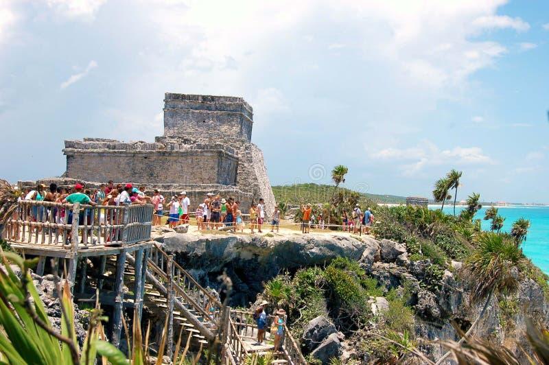 Ruina maya del templo imagen de archivo